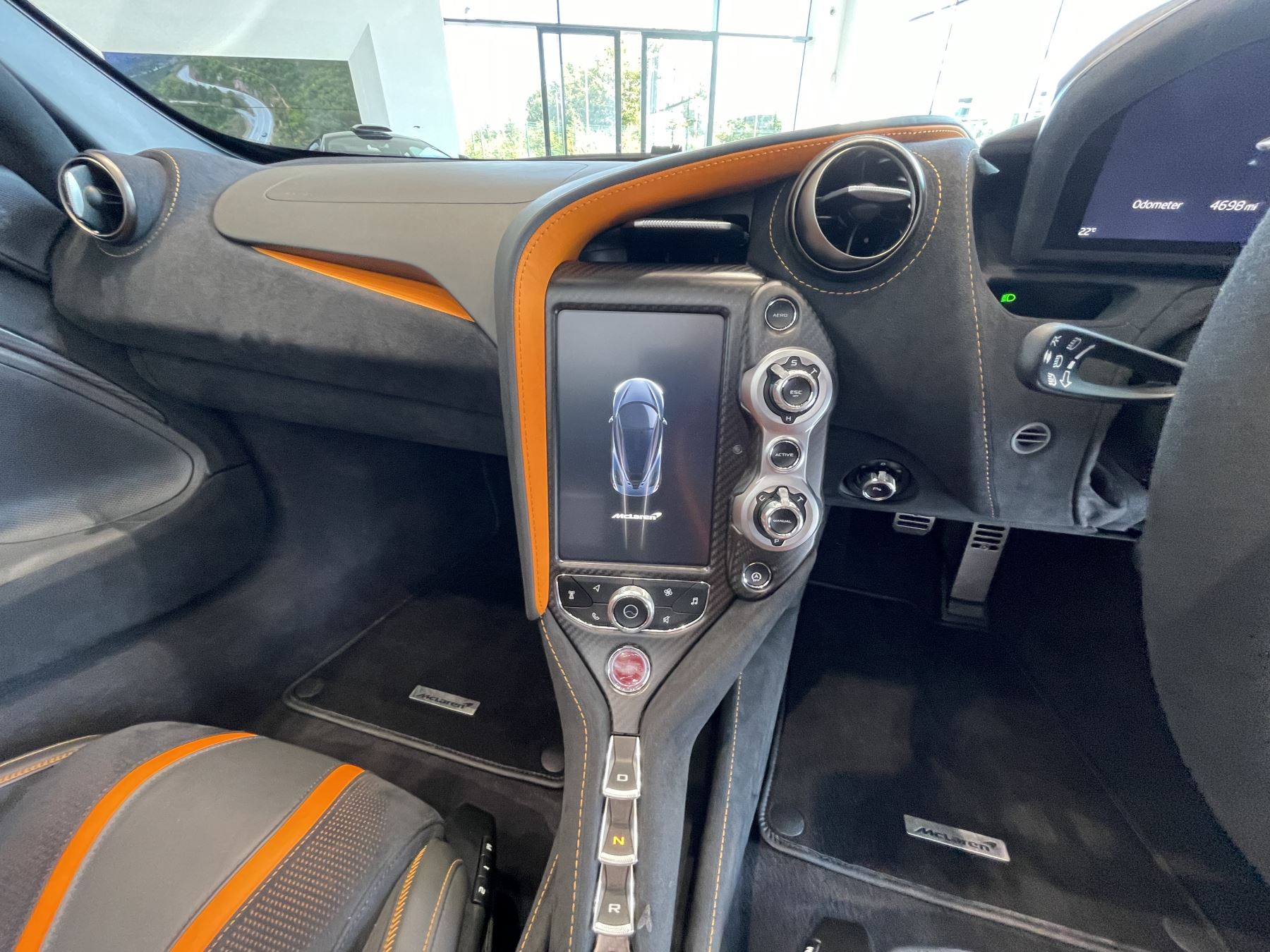 McLaren 720S Spider V8 2 DR PERFORMANCE VERY RARE COLOUR AND FULL CAR PPF image 15