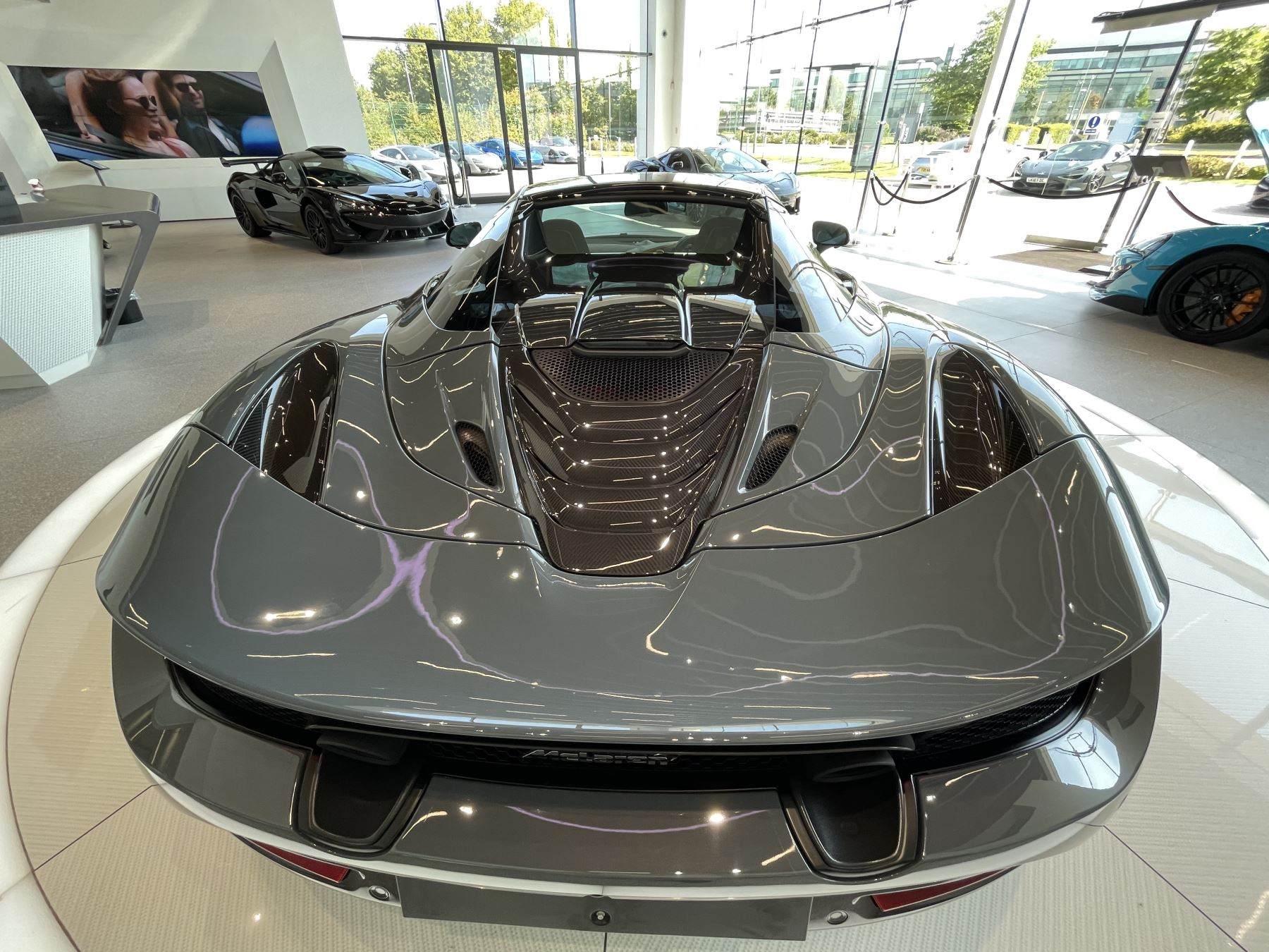 McLaren 720S Spider V8 2 DR PERFORMANCE VERY RARE COLOUR AND FULL CAR PPF image 22
