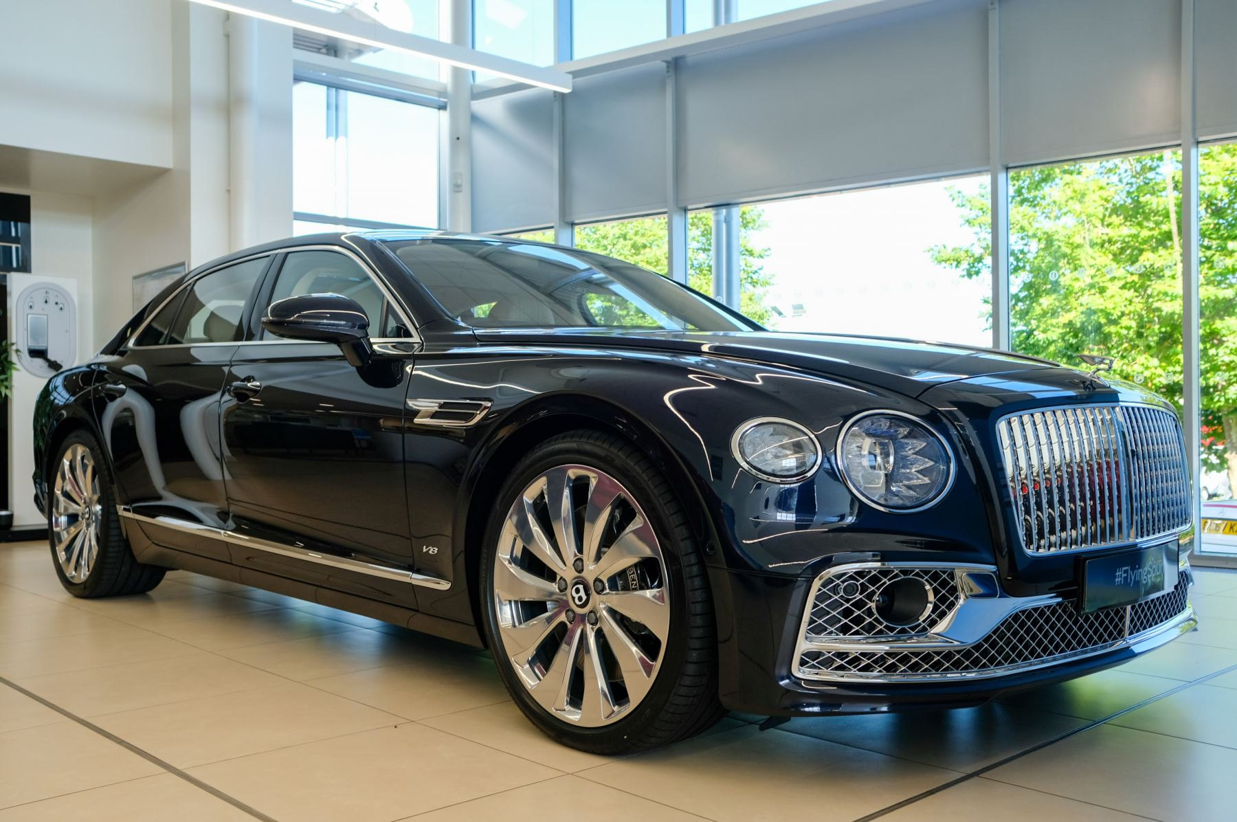 Bentley Flying Spur V8 4.0 V8 Mulliner Driving Spec 4dr Auto [Tour Spec] - Rotating Display - Panoramic Roof Automatic Saloon