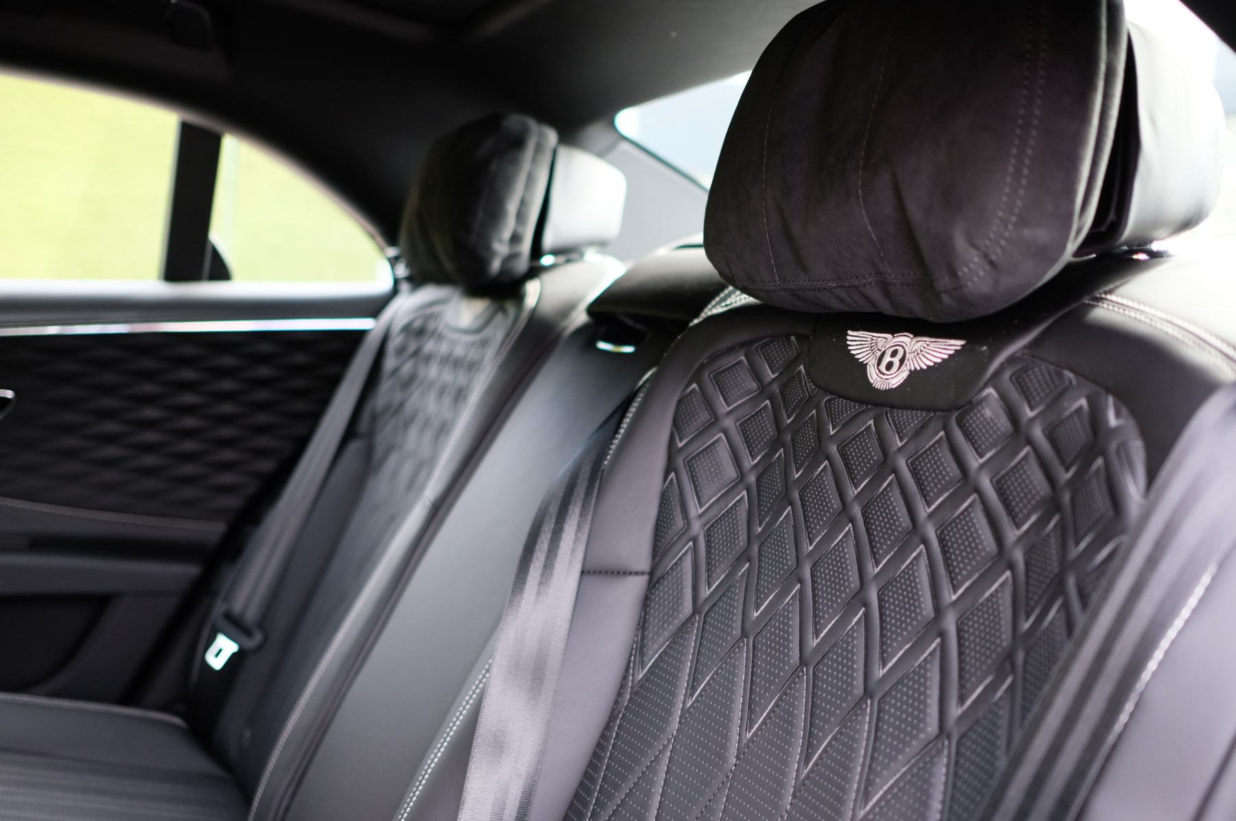 Bentley Flying Spur 6.0 W12 - First Edition - Mulliner Driving Specification image 22