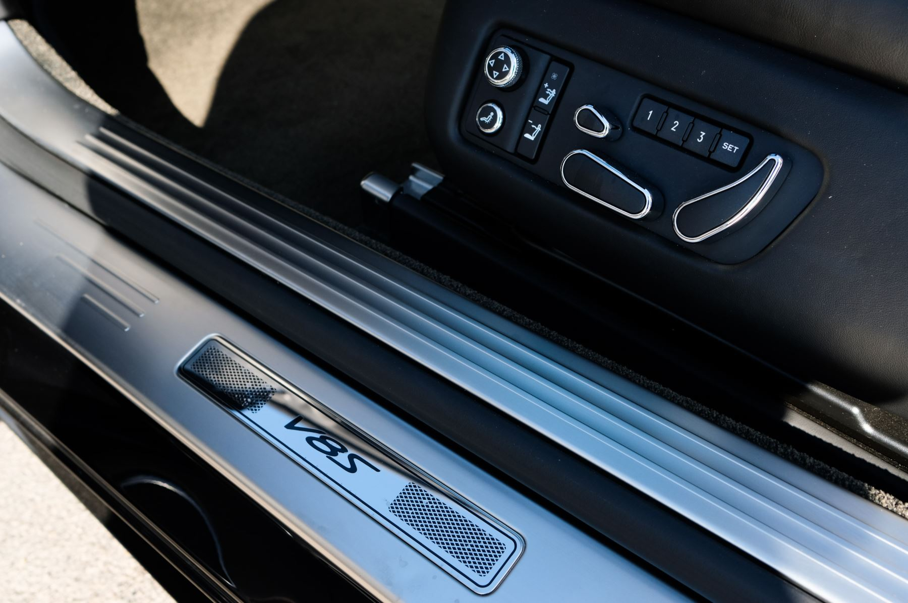 Bentley Continental GTC 4.0 V8 S - Mulliner Driving Spec - Sports Exhaust image 17