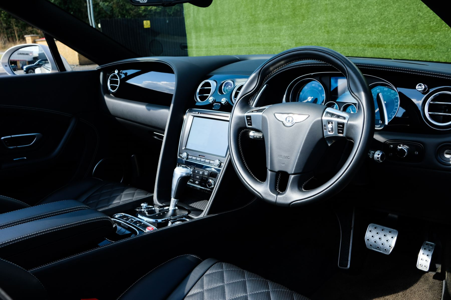 Bentley Continental GTC 4.0 V8 S Mulliner Driving Spec - Ventilated Front Seats with Massage Function image 12