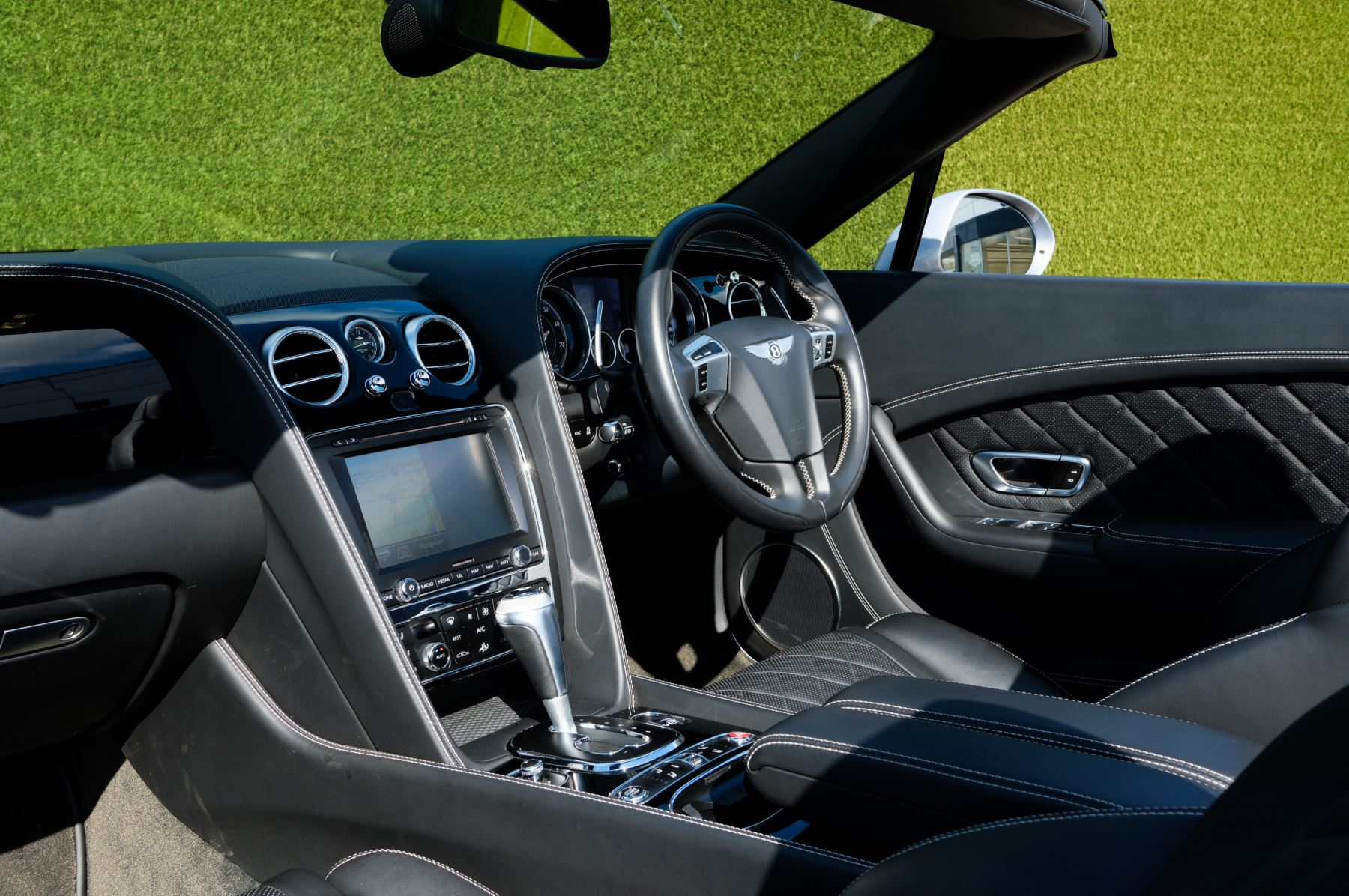 Bentley Continental GTC 4.0 V8 S Mulliner Driving Spec - Ventilated Front Seats with Massage Function image 11