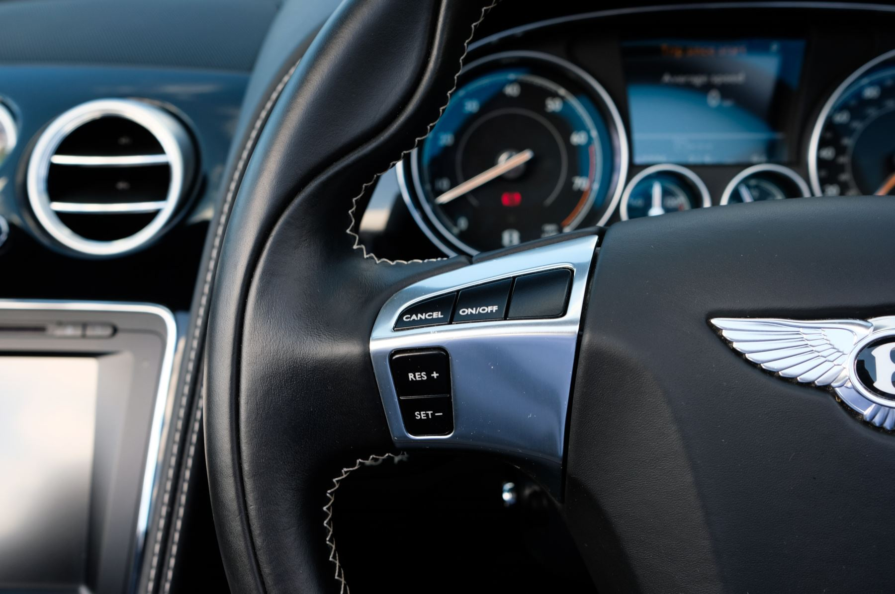 Bentley Continental GTC 4.0 V8 S Mulliner Driving Spec - Ventilated Front Seats with Massage Function image 20
