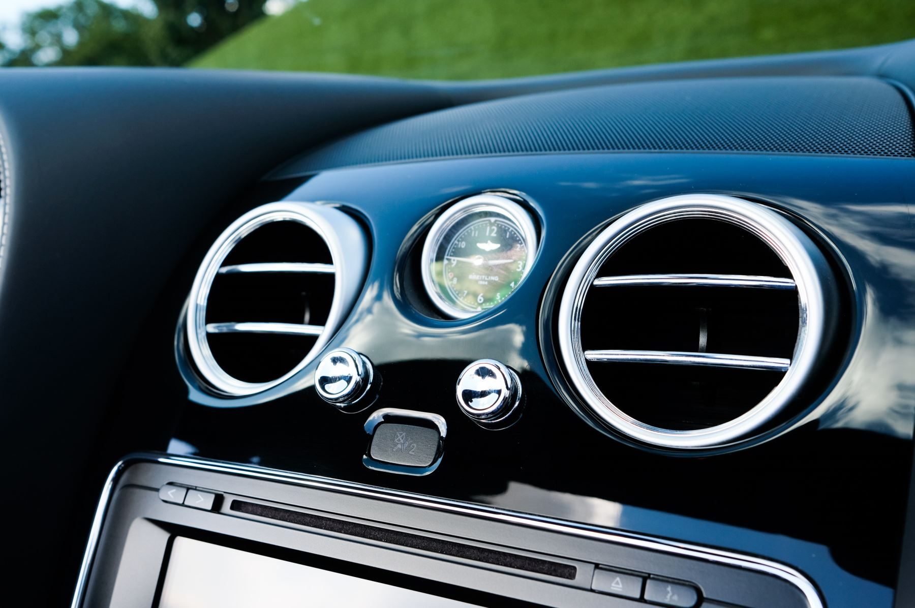 Bentley Continental GTC 4.0 V8 S Mulliner Driving Spec - Ventilated Front Seats with Massage Function image 22
