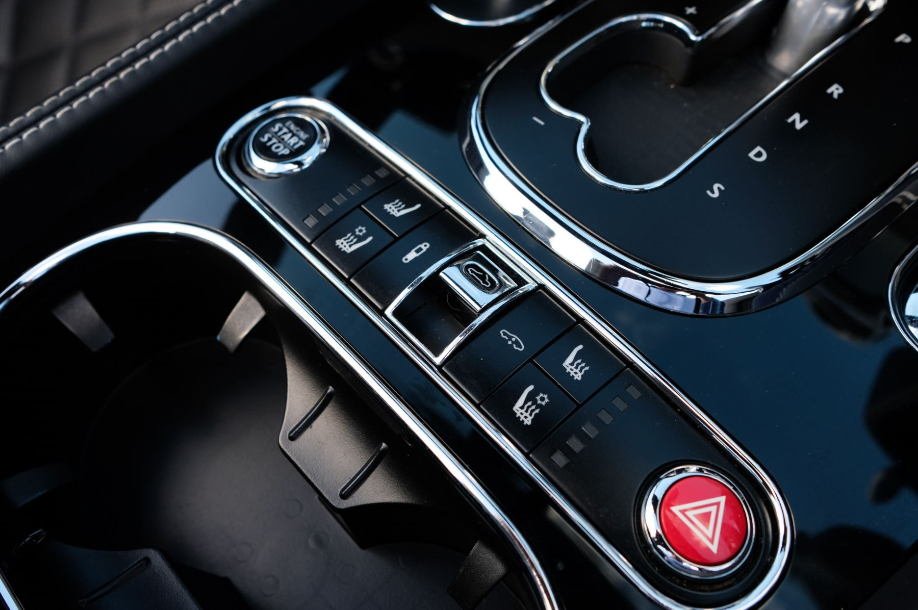 Bentley Continental GTC 4.0 V8 S Mulliner Driving Spec - Ventilated Front Seats with Massage Function image 25