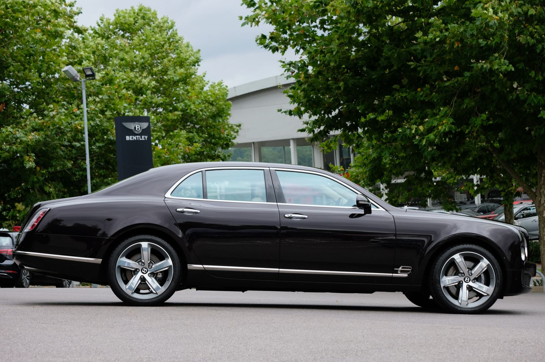 Bentley Mulsanne 6.8 V8 Speed - Speed Premier Specification image 3