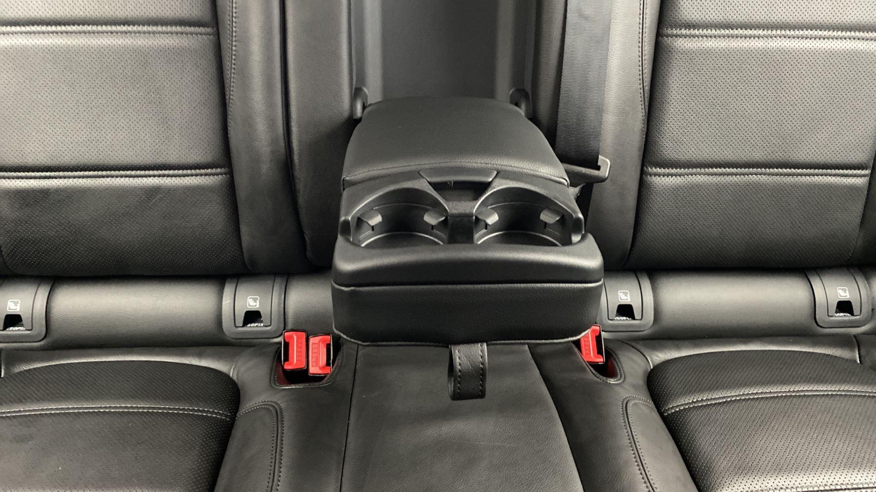 Jaguar E-PACE 2.0d SE AWD - Meridian Sound System - Powered Seats - Satellite Navigation image 29