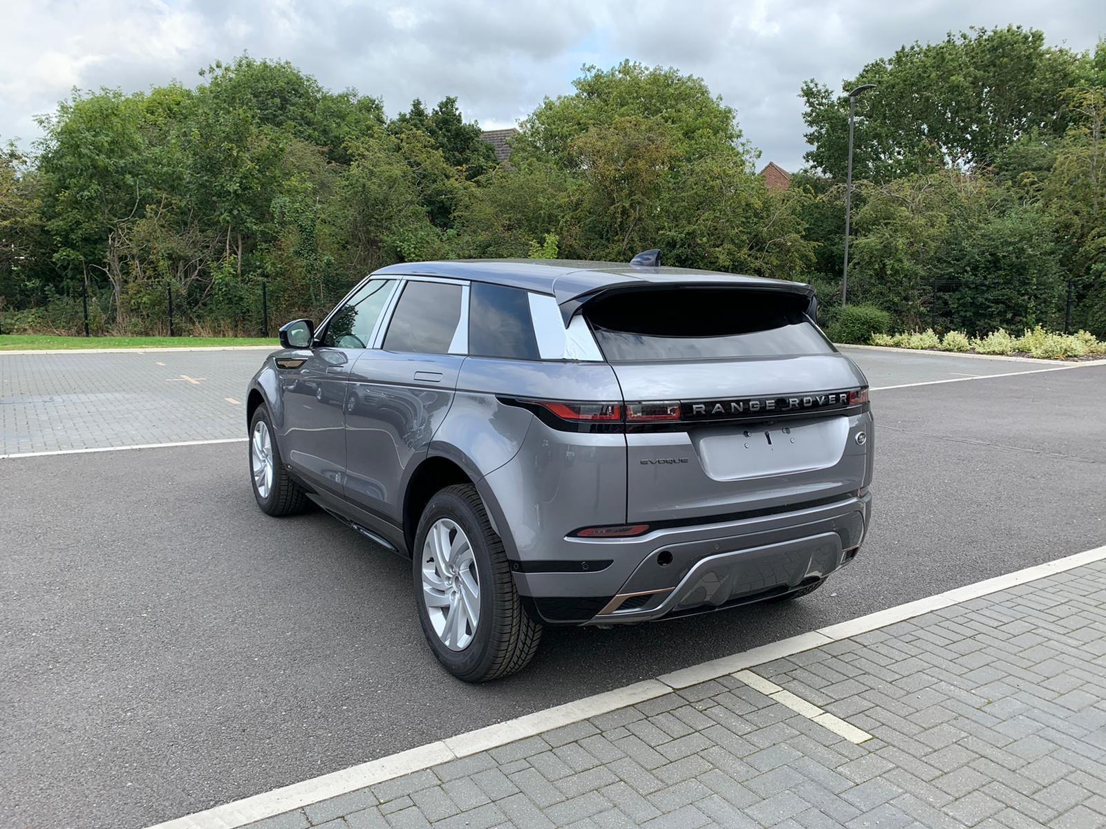 Land Rover New Range Rover Evoque AWD Auto R-Dynamic S image 4
