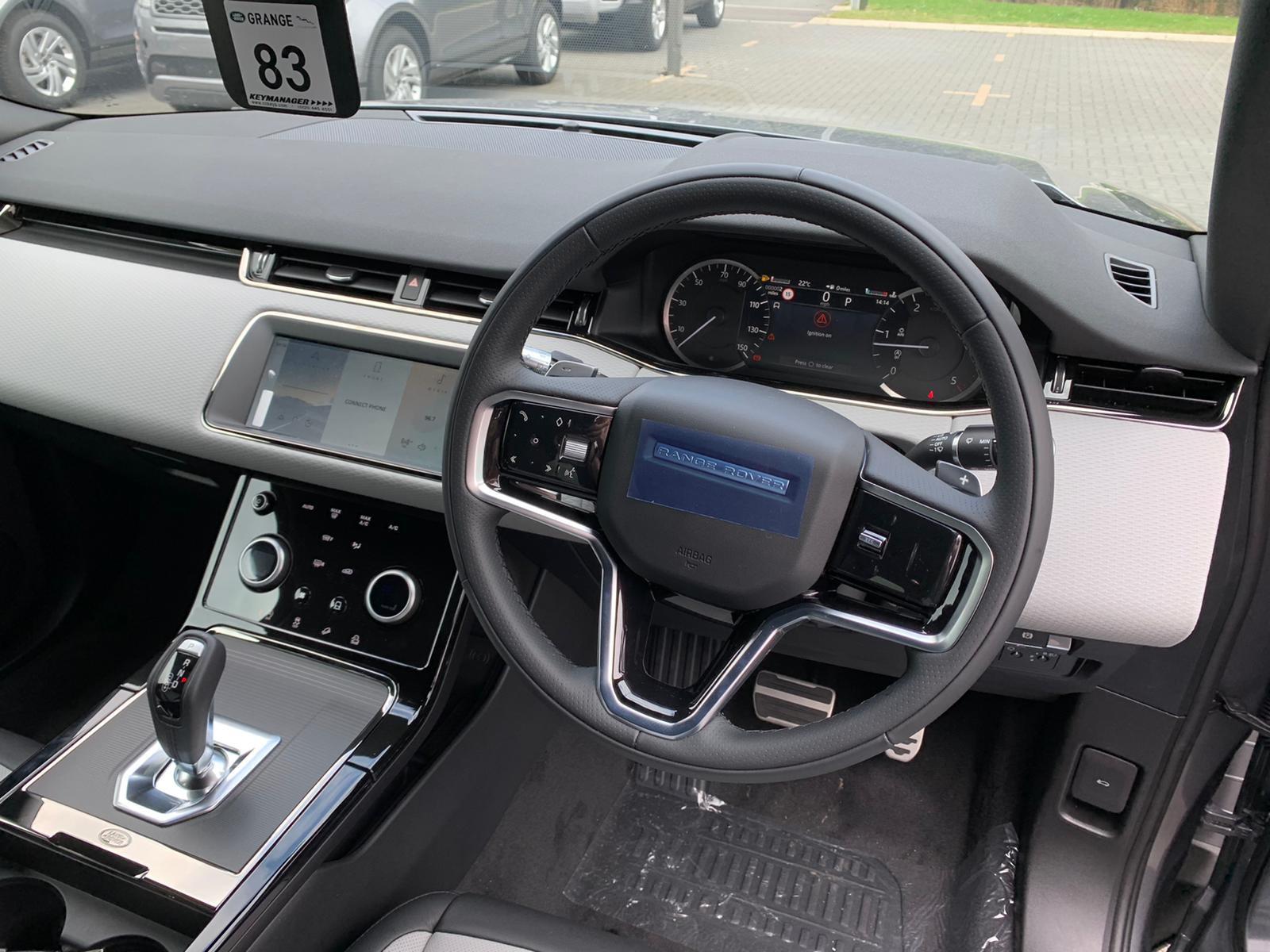 Land Rover New Range Rover Evoque AWD Auto R-Dynamic S image 5
