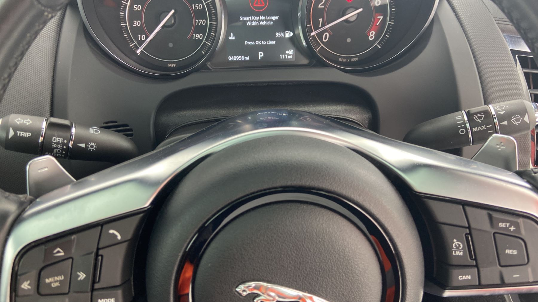 Jaguar F-TYPE 3.0 Supercharged V6 R-Dynamic with Panoramic Sunroof and Meridian Surround Sound image 29