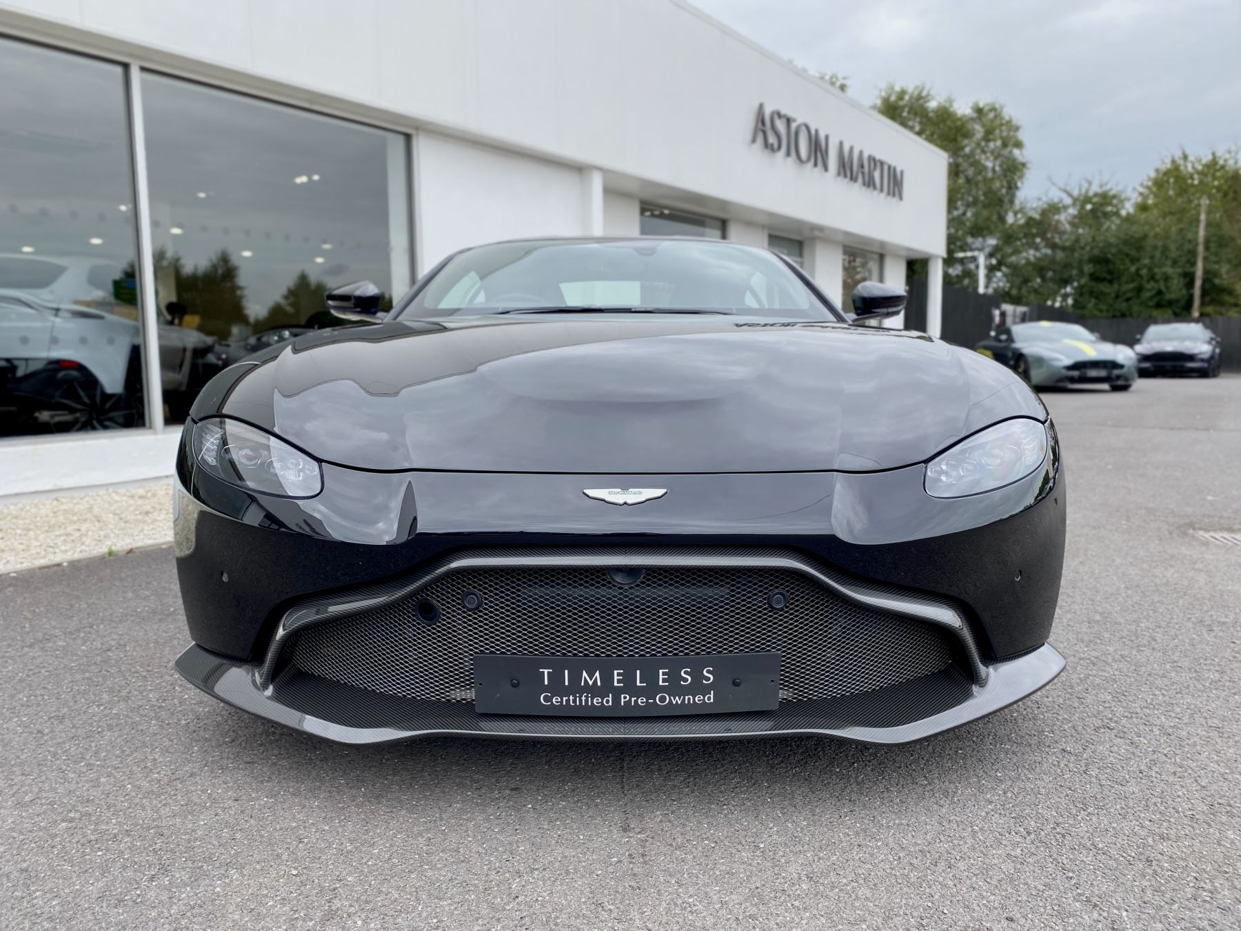 Aston Martin New Vantage 2dr ZF 8 Speed Auto. 4.0 Twin Turbo ZF Gearbox  Reversing Camera Heated Seats Ceramic Brakes image 2