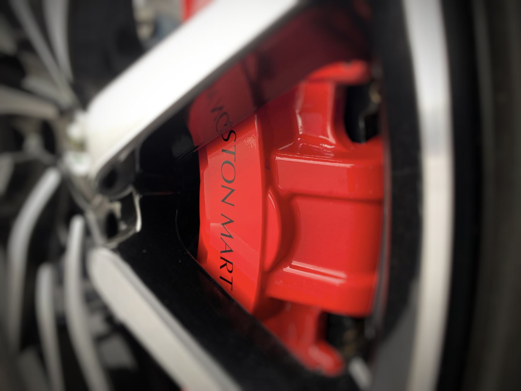 Aston Martin New Vantage 2dr ZF 8 Speed Auto. 4.0 Twin Turbo ZF Gearbox  Reversing Camera Heated Seats Ceramic Brakes image 14