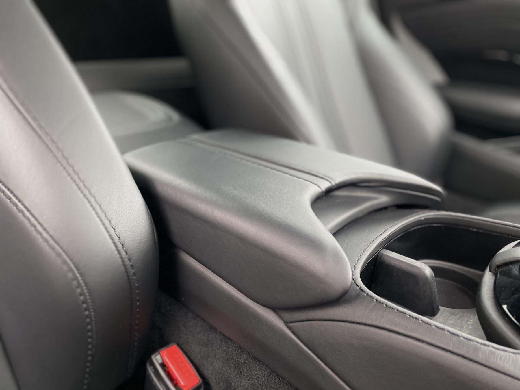 Aston Martin New Vantage 2dr ZF 8 Speed Auto. 4.0 Twin Turbo ZF Gearbox  Reversing Camera Heated Seats Ceramic Brakes image 29