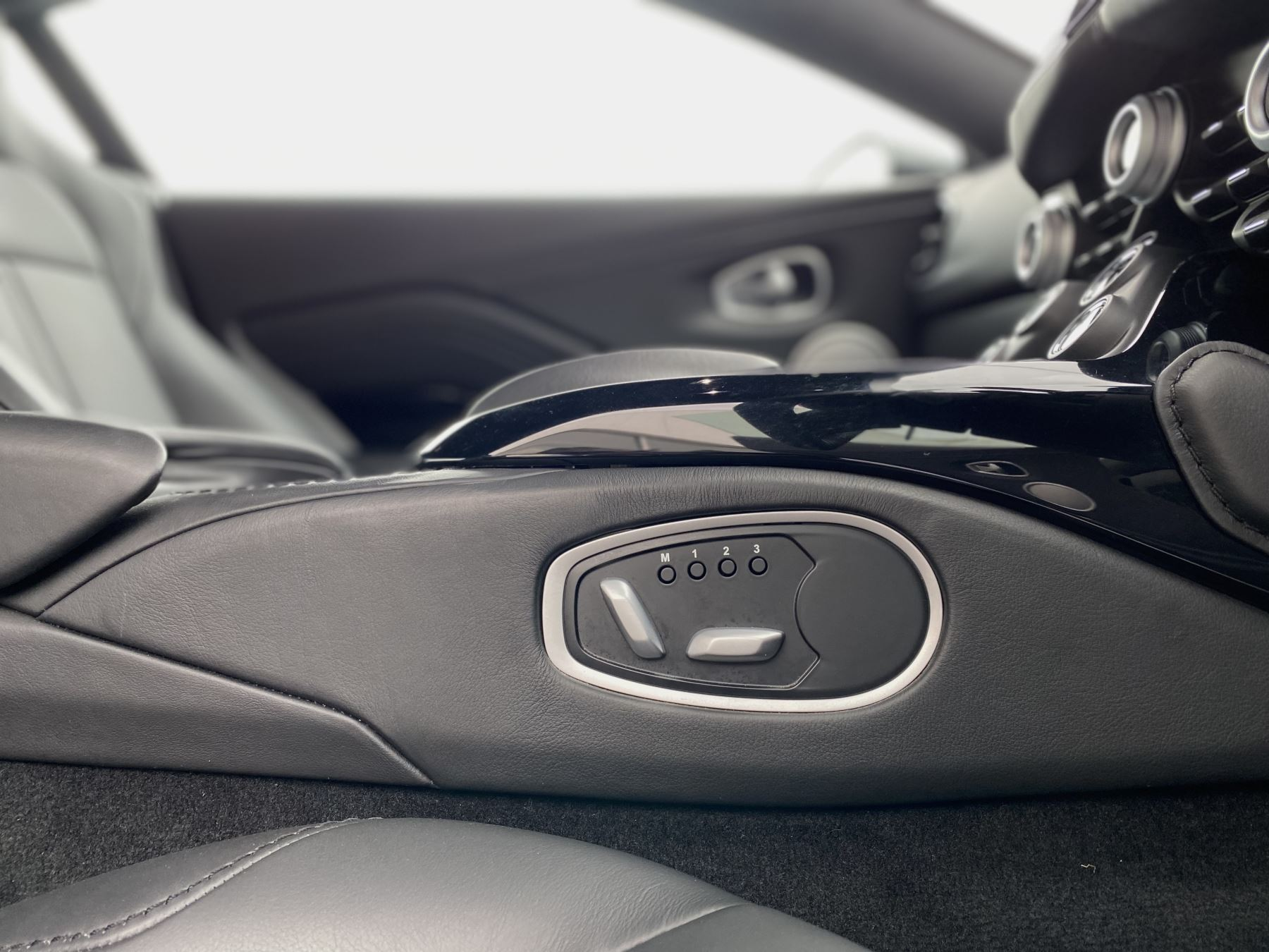Aston Martin New Vantage 2dr ZF 8 Speed Auto. 4.0 Twin Turbo ZF Gearbox  Reversing Camera Heated Seats Ceramic Brakes image 34