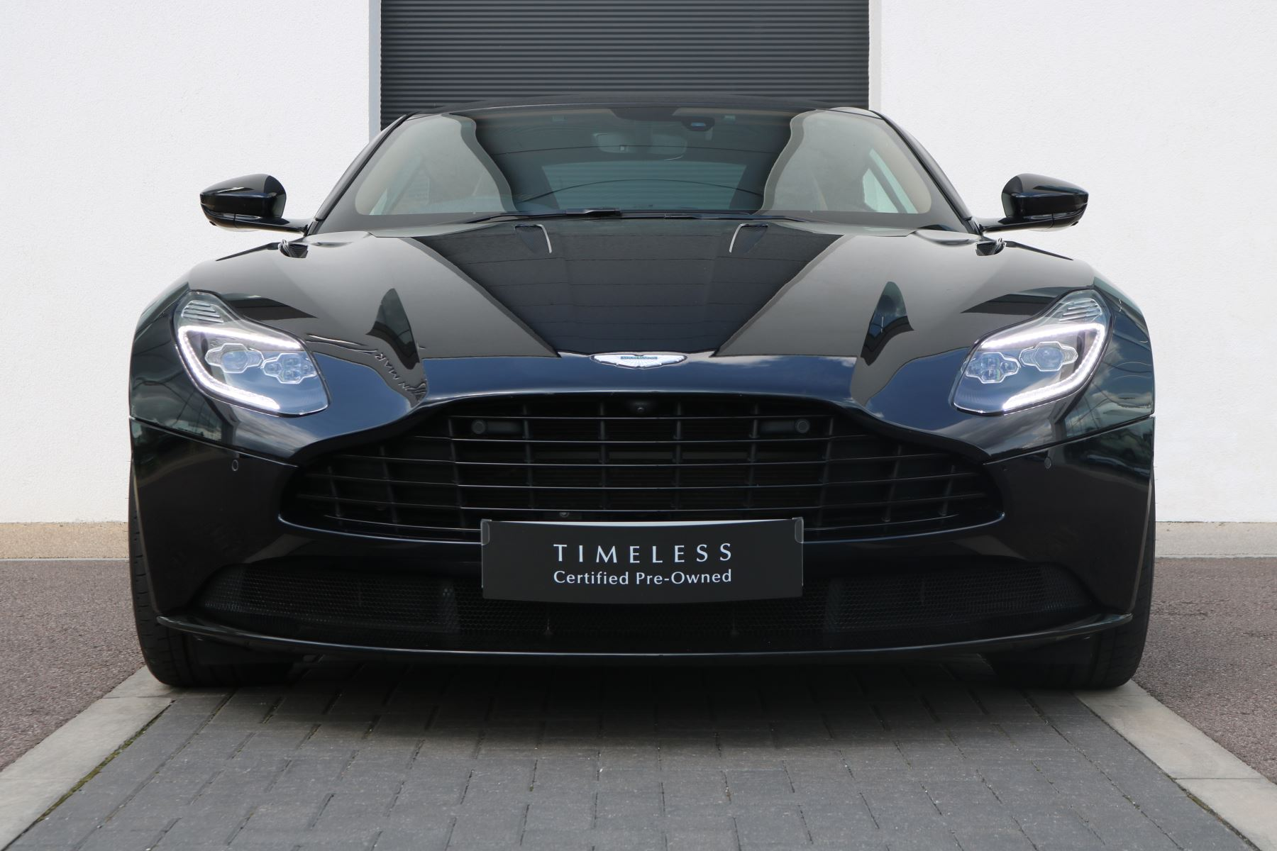Aston Martin DB11 V12 Touchtronic Coupe Low Mileage Two Tone Leather  5.2 Automatic 2 door