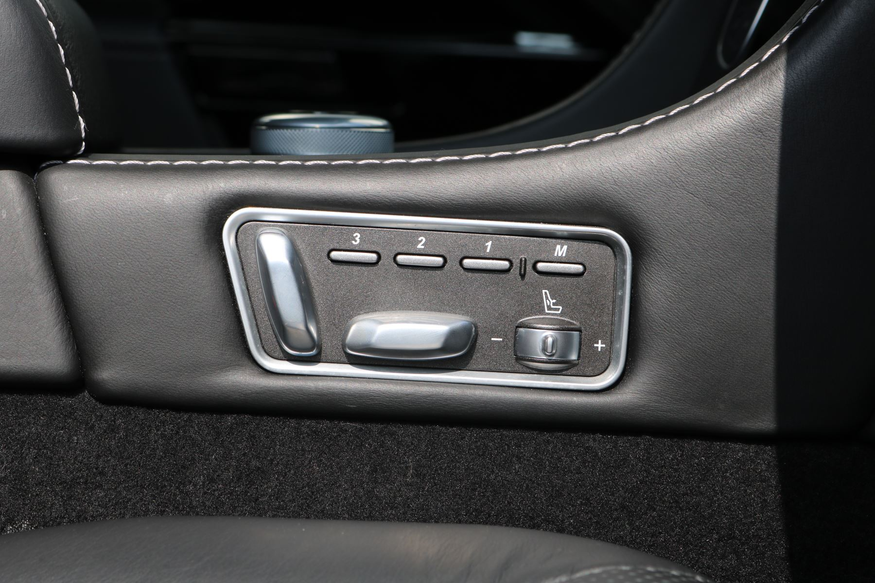 Aston Martin Rapide S V12 [552] 4dr Touchtronic III  image 25