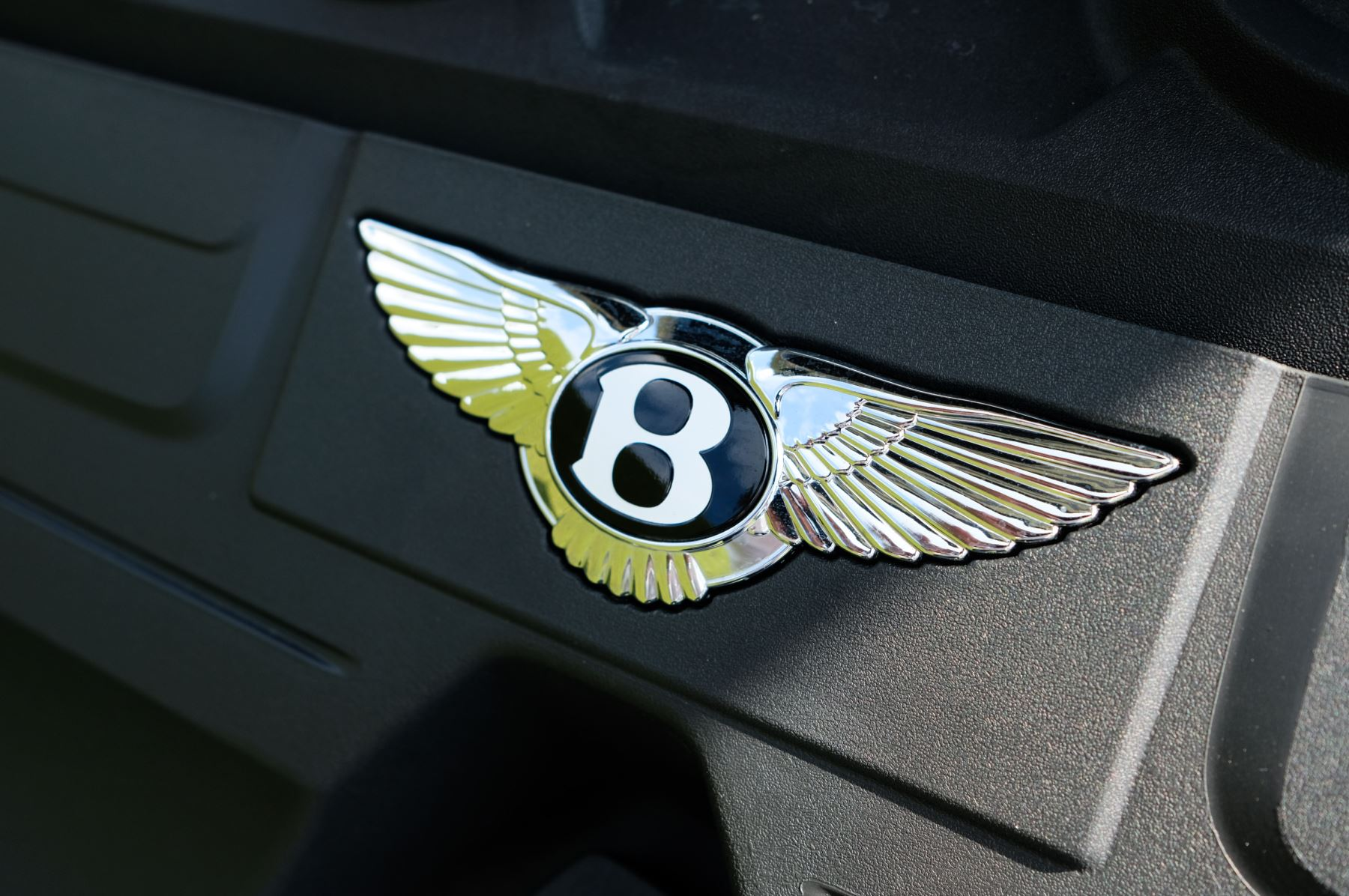 Bentley Continental GT 4.0 V8 - Mulliner Driving Specification with Black Painted Wheels - Touring and Centenary Spec image 22