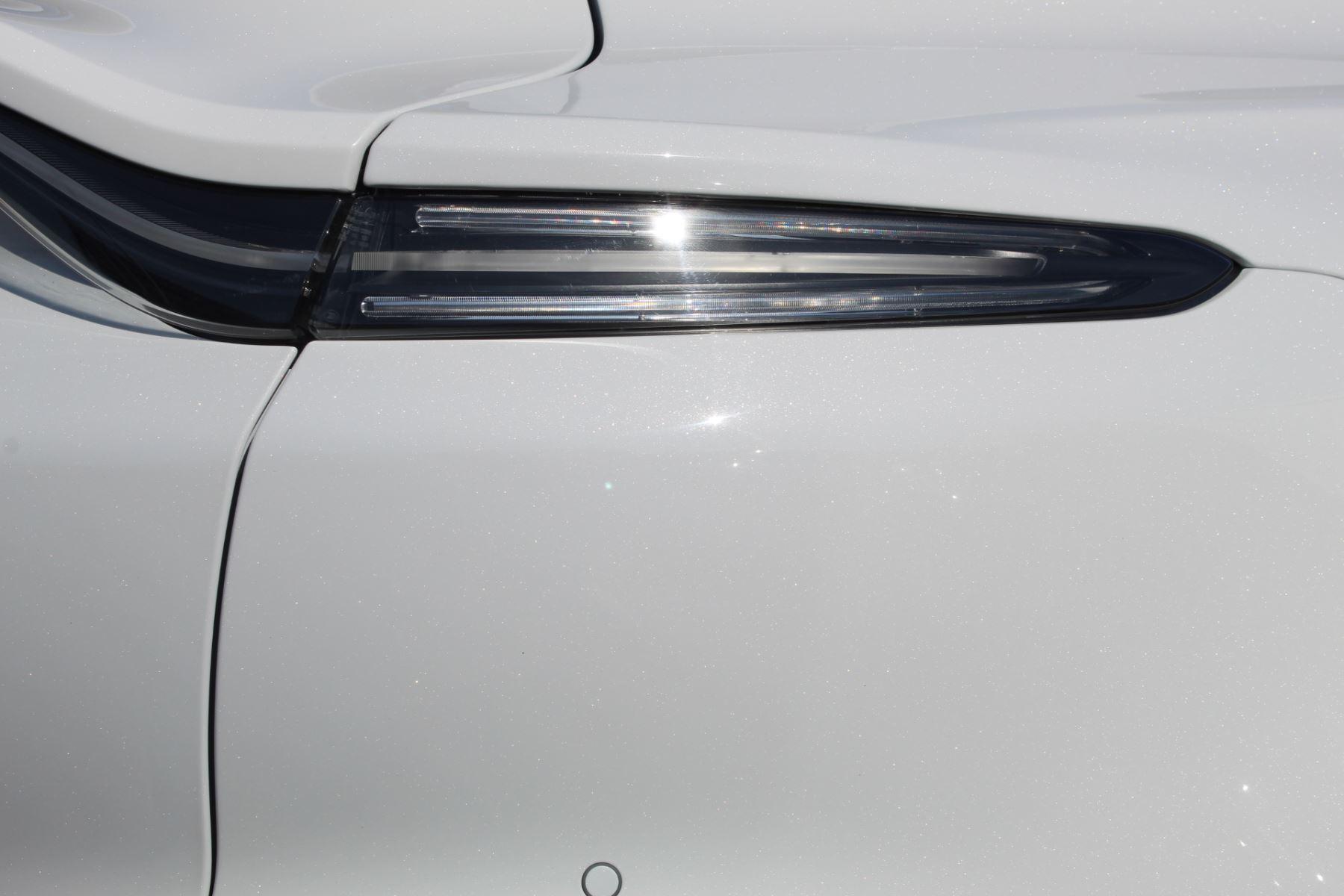 Aston Martin DBX V8 Twin Turbo Massive Spec Low mileage image 13