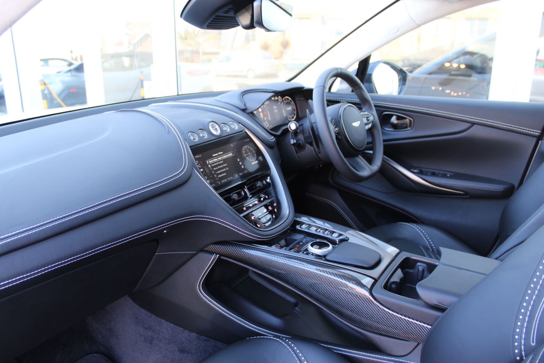 Aston Martin DBX V8 Twin Turbo Massive Spec Low mileage image 3