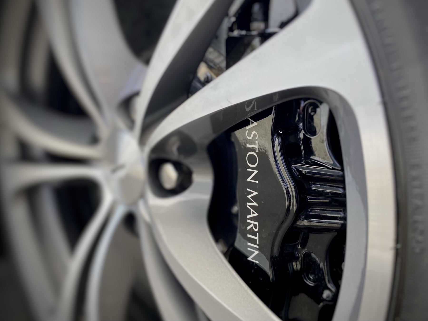 Aston Martin V12 Vantage 2dr v12 manual coupe. Sports Seats . Manual . Ceramic Brakes  image 14
