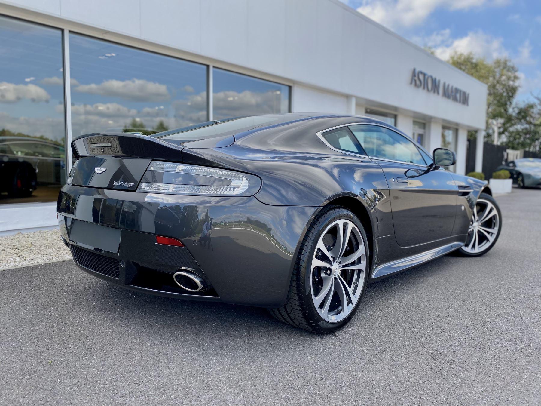 Aston Martin V12 Vantage 2dr v12 manual coupe. Sports Seats . Manual . Ceramic Brakes  image 7