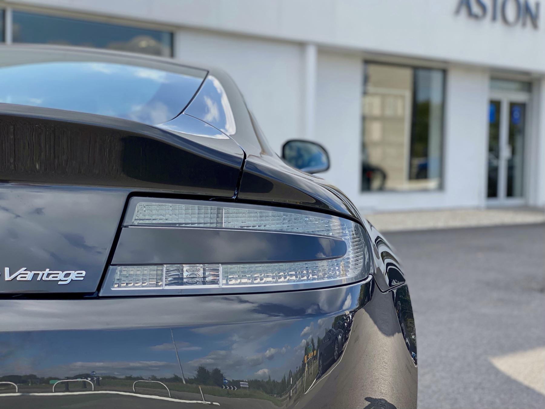 Aston Martin V12 Vantage 2dr v12 manual coupe. Sports Seats . Manual . Ceramic Brakes  image 11