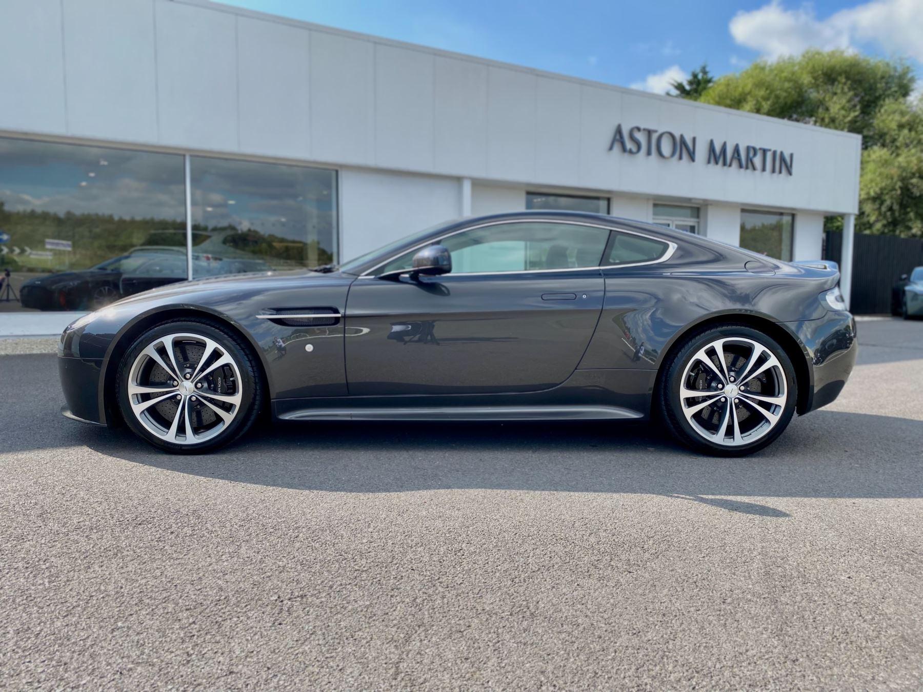 Aston Martin V12 Vantage 2dr v12 manual coupe. Sports Seats . Manual . Ceramic Brakes  image 4