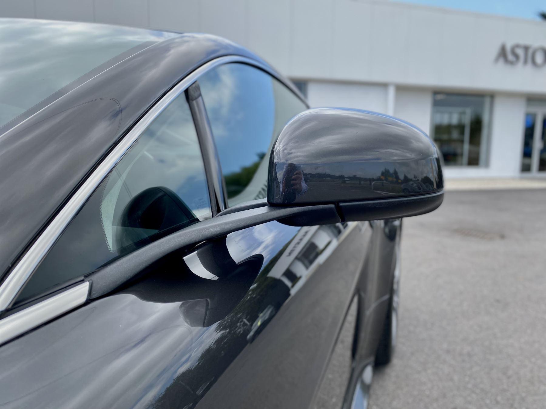 Aston Martin V12 Vantage 2dr v12 manual coupe. Sports Seats . Manual . Ceramic Brakes  image 21