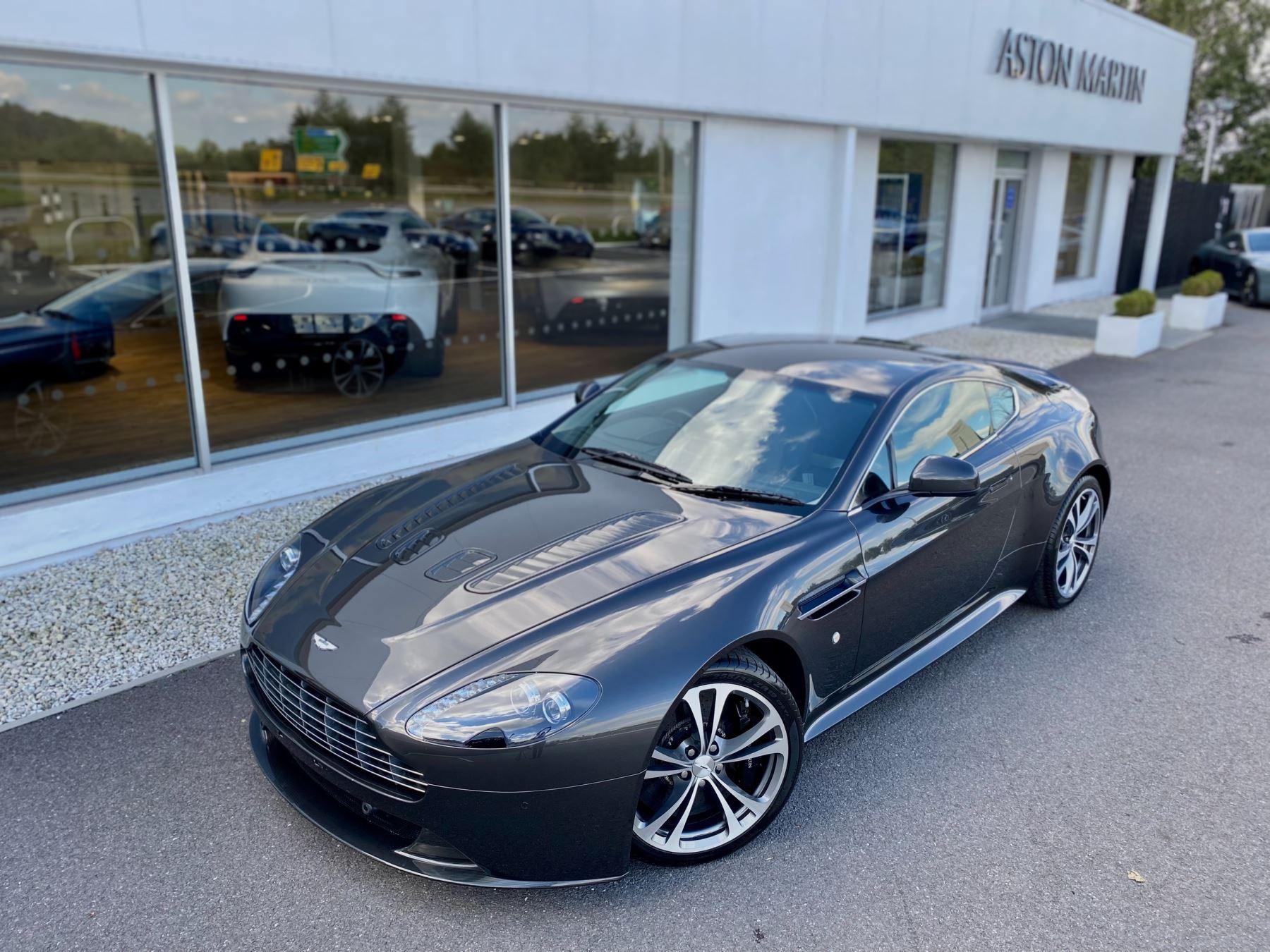 Aston Martin V12 Vantage 2dr v12 manual coupe. Sports Seats . Manual . Ceramic Brakes  image 10
