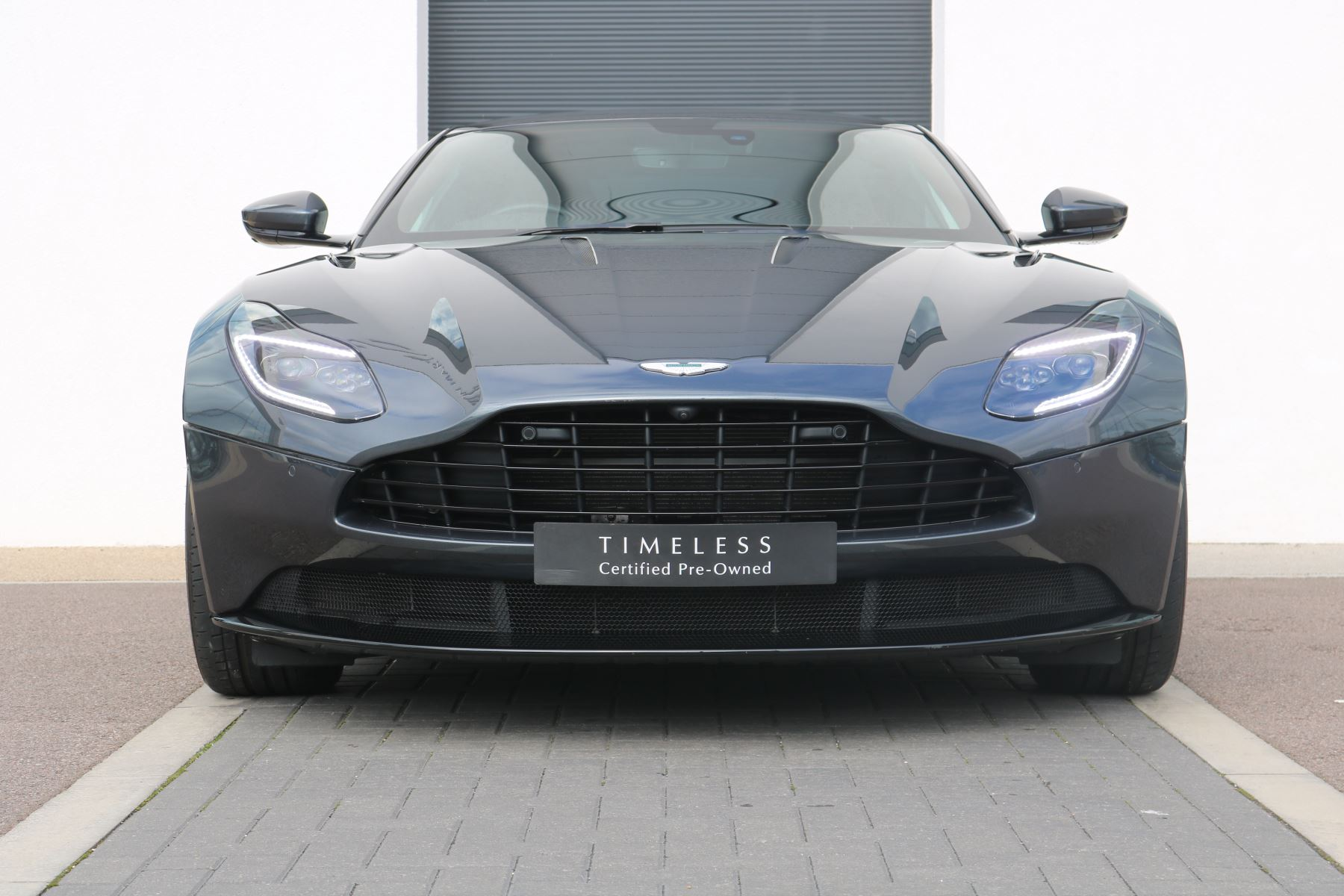 Aston Martin DB11 V12 AMR 2dr Touchtronic FREE SERVICING  image 1