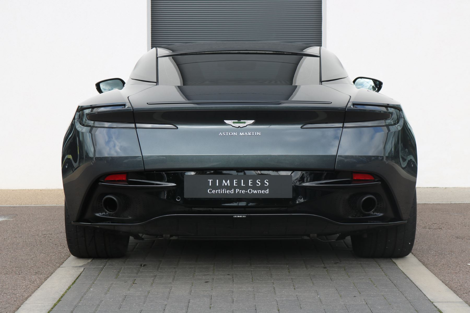 Aston Martin DB11 V12 AMR 2dr Touchtronic FREE SERVICING  image 3