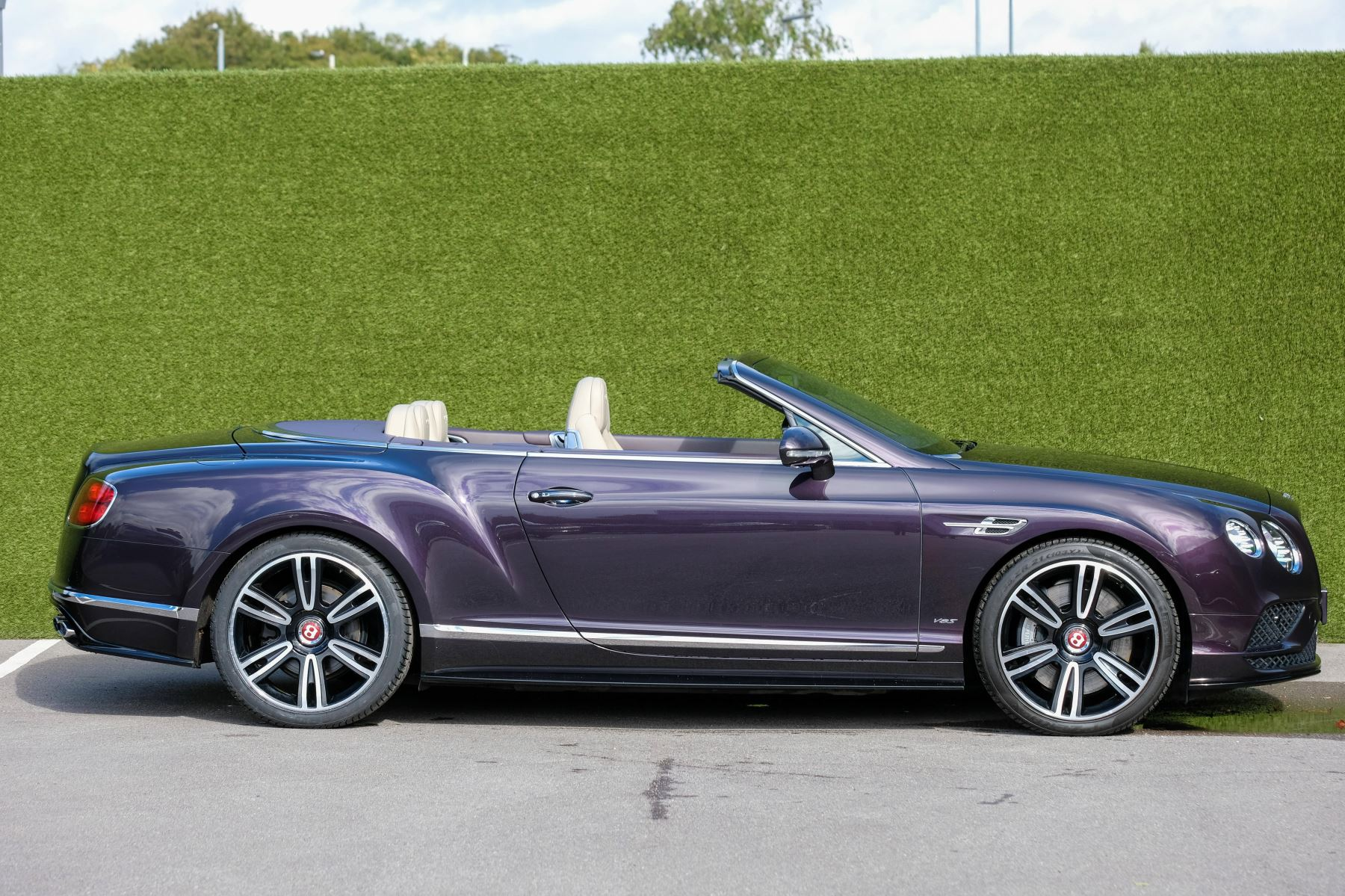 Bentley Continental GTC 4.0 V8 S Mulliner Driving Spec - Premier and All Seasons Specification image 3