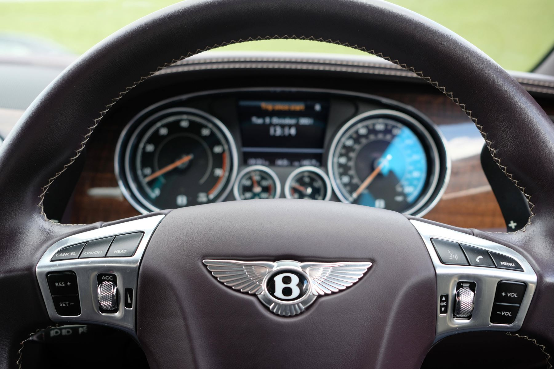Bentley Continental GTC 4.0 V8 S Mulliner Driving Spec - Premier and All Seasons Specification image 14