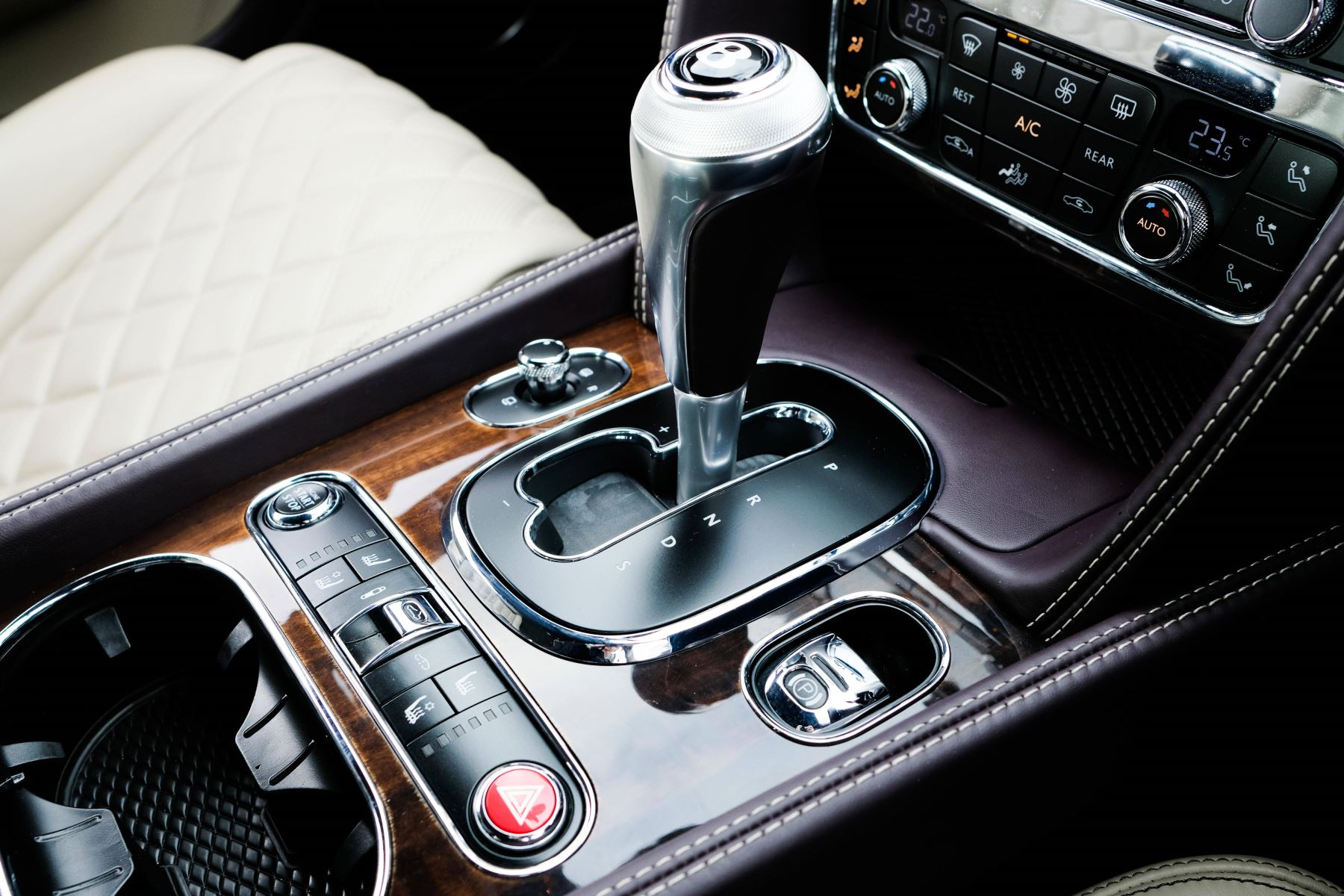 Bentley Continental GTC 4.0 V8 S Mulliner Driving Spec - Premier and All Seasons Specification image 24