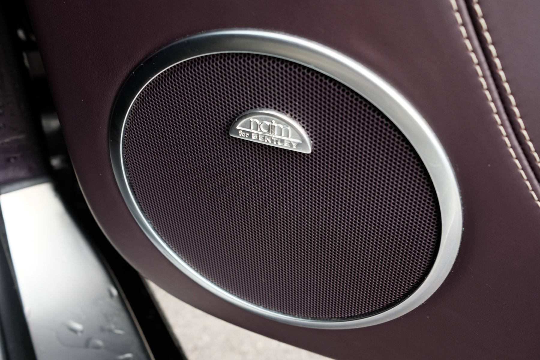 Bentley Continental GTC 4.0 V8 S Mulliner Driving Spec - Premier and All Seasons Specification image 27