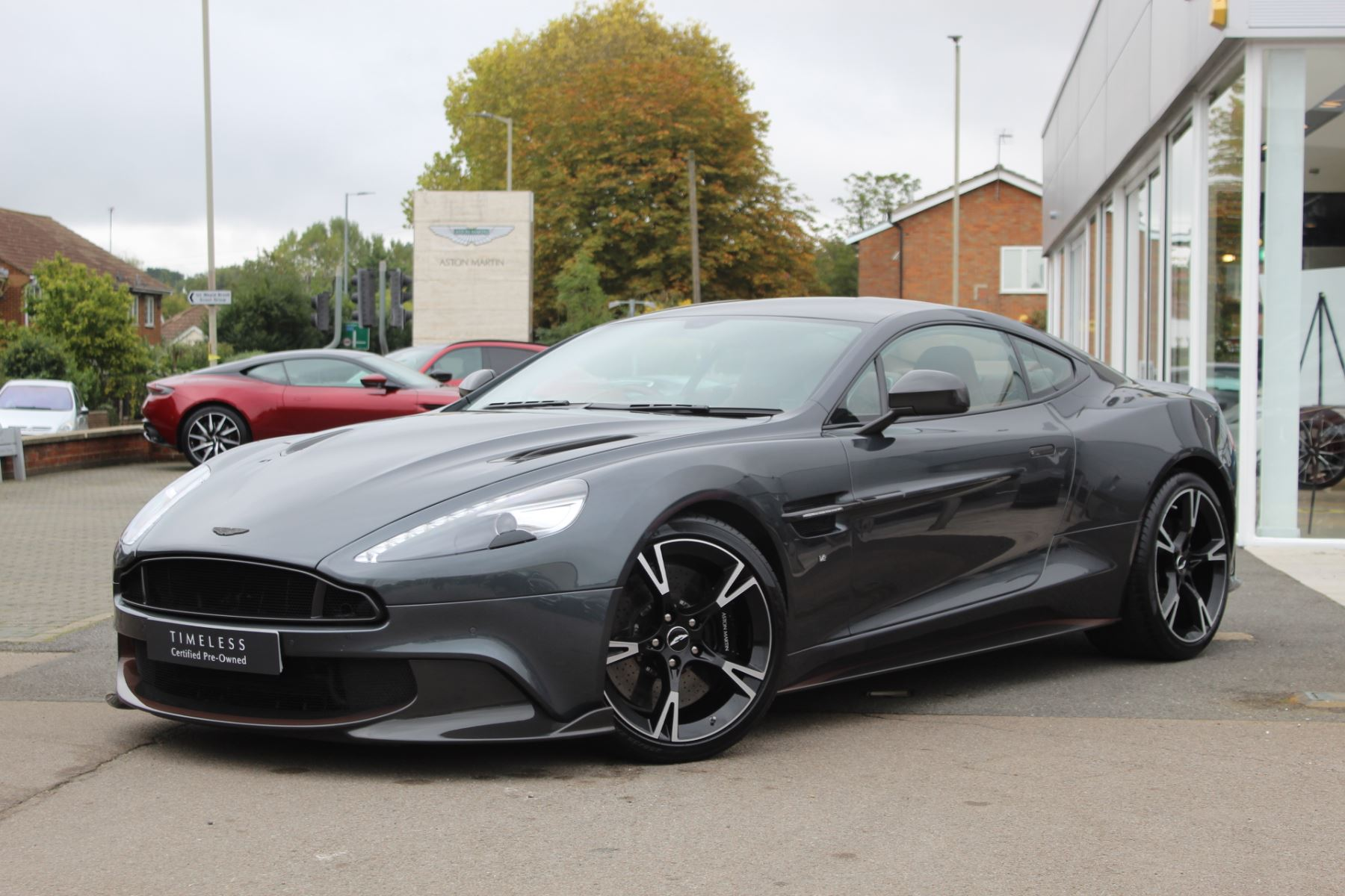 Aston Martin Vanquish V12 [595] S 2+2 Touchtronic  Ultimate 1/175 Worldwide  5.9 Automatic 2 door Coupe
