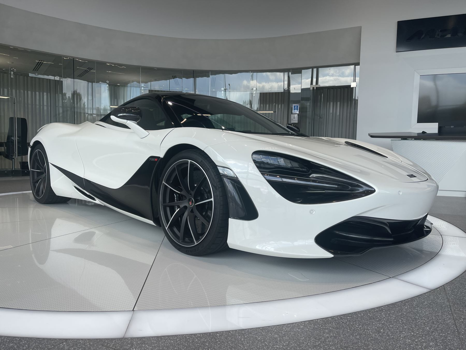 McLaren 720S V8 SSG PERFORMANCE, 1 OWNER, BIG SPEC CAR WITH LOW MILEAGE 4.0 Automatic 2 door Coupe (2018)