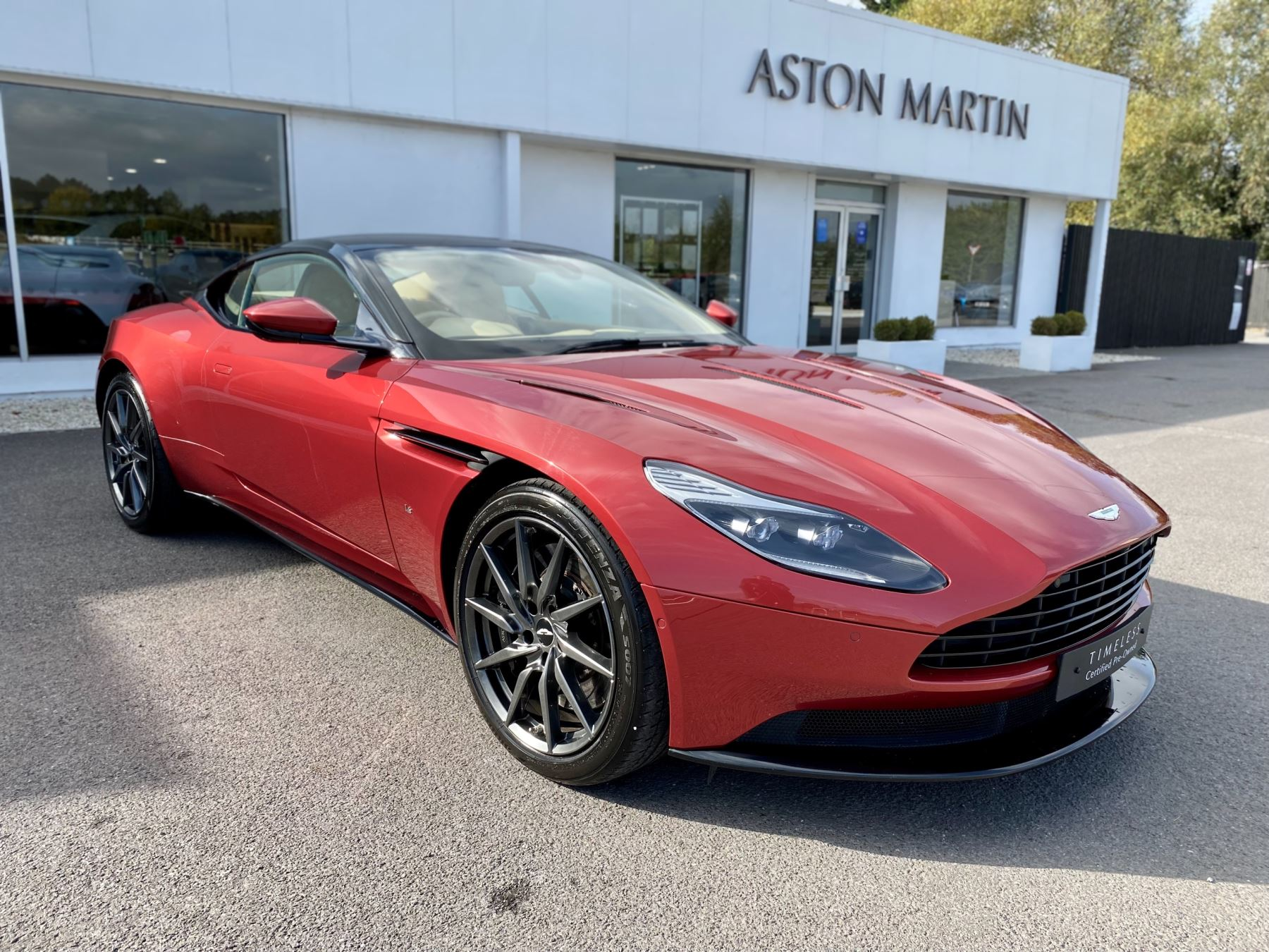 Aston Martin DB11 V12 Launch Edition Coupe. Bang & Olufsen Beosound Audio. Black brake calipers. Ventilated Seats 5.2 Automatic 2 door
