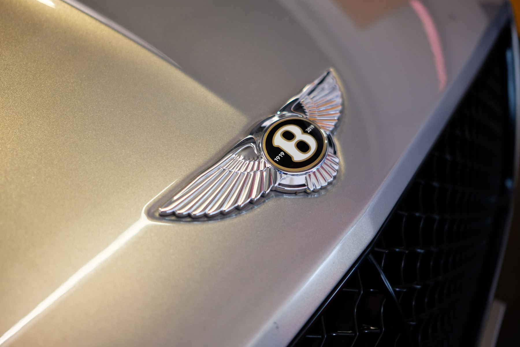 Bentley Continental GT 4.0 V8 - Mulliner Driving Specification with Black Painted Wheels - Touring and Centenary Spec image 65