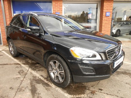 Volvo XC60 2.4 D5 215hp SE Lux AWD Auto with Nav and Heated Seats Estate Diesel Black Sapphire Metallic with Off Black Soft Leathe