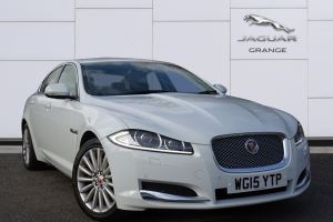 Jaguar XF 2.2d [200] Luxury Auto Diesel Automatic 4 door Saloon (2015) image