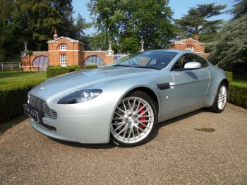 Aston Martin V8 Vantage Coupe 2dr 4.7 V8 3 door Coupe (2009 MODEL) image