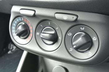 Vauxhall Corsa 1.4i Sting 3dr image 15 thumbnail
