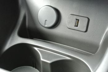 Vauxhall Corsa 1.4i Sting 3dr image 16 thumbnail