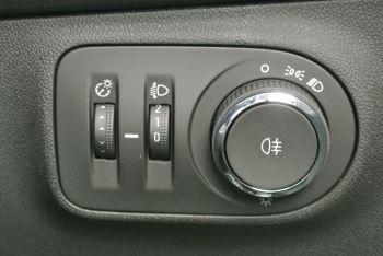 Vauxhall Corsa 1.4i Sting 3dr image 19 thumbnail