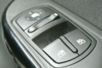 Vauxhall Corsa 1.4i Sting 3dr image 20 thumbnail