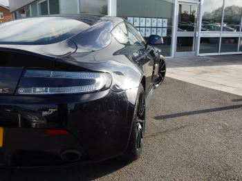 Aston Martin V12 Vantage S Coupe S 2dr Sportshift III image 12 thumbnail
