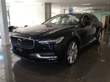 Volvo V90 2.0 D5 PowerPulse Inscription AWD Geartronic Diesel Automatic 5 door Estate (2017) image
