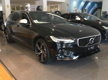 Volvo V90 2.0 D5 PowerPulse R DESIGN 5dr AWD Geartronic Diesel Automatic Estate (2017) image